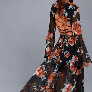 Gorgeous maxi with lace up back!